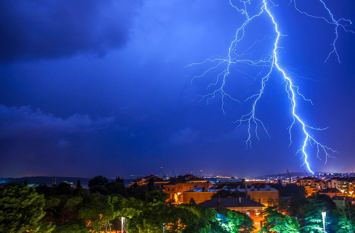This one was a close lightning strike near fortress Kaštel in Pula!